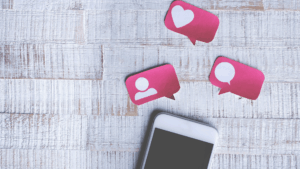 Mobile phone with social media reactions